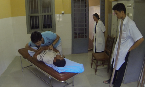 dr gary tho cambodia hospital chiropractic clinic