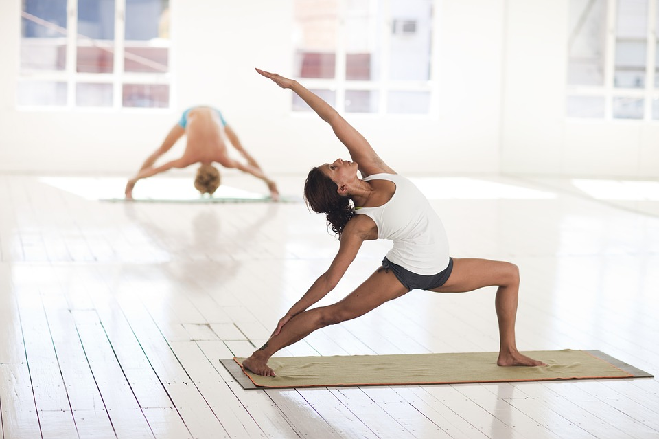 yoga-2959226_960_720.jpg
