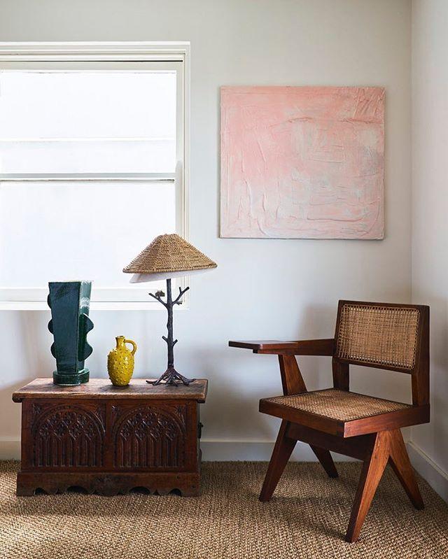Love this corner! Interior by one of our favourite interior designers @tamsinjohnson - #houseofsuisui - -  #interiorslondon #residentialdesign #hospitalitydesign #residentialdevelopment #hoteldesign #boutiquehotelawards #furnituredesign #londondesign #londoninteriors #interiordesigner #designblog #interiorblog #interiormagazine #art #tatemodern #royalacademyofarts #theworldofinteriors #elledecor #shoreditchhouse #sayhito #vogueliving #britishdesign #instainterior #instadecor #instadesign #hoteldevelopment #deezeen #wallpapermag