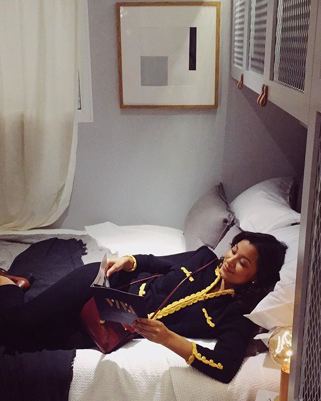 Living that stylish co-living life in the Scandi Pod ⚡️💕@vivahousecoliving - #houseofsuisui - -  #interiorslondon #residentialdesign #hospitalitydesign #residentialdevelopment #hoteldesign #boutiquehotelawards #furnituredesign #coliving #londoninteriors #interiordesigner #designblog #interiorblog #interiormagazine #art #tatemodern #communalspaces #theworldofinteriors #elledecor #shoreditchhouse #sayhito #vogueliving #vivahouse #instainterior #instadecor #instadesign #hoteldevelopment #deezeen #wallpapermag