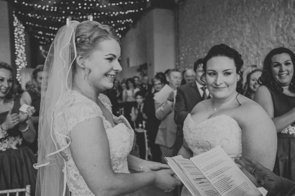 17. Kate+Sara_Rosedew-Farm-wedding.jpg