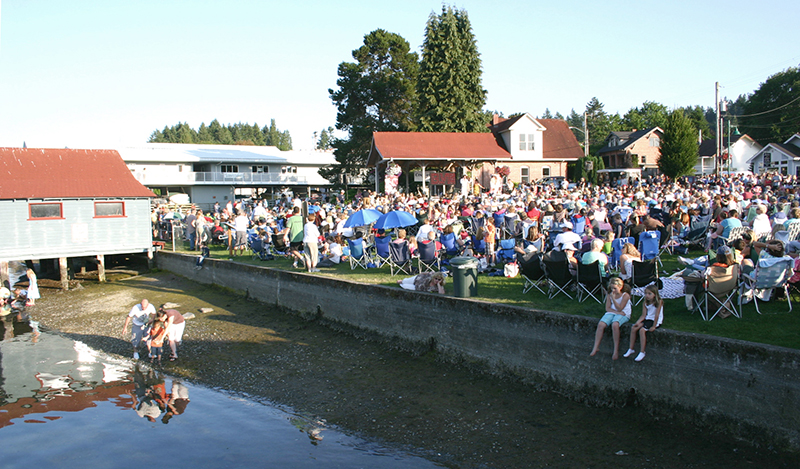 A Summer Sounds evening of music at Skansie Brother Park.