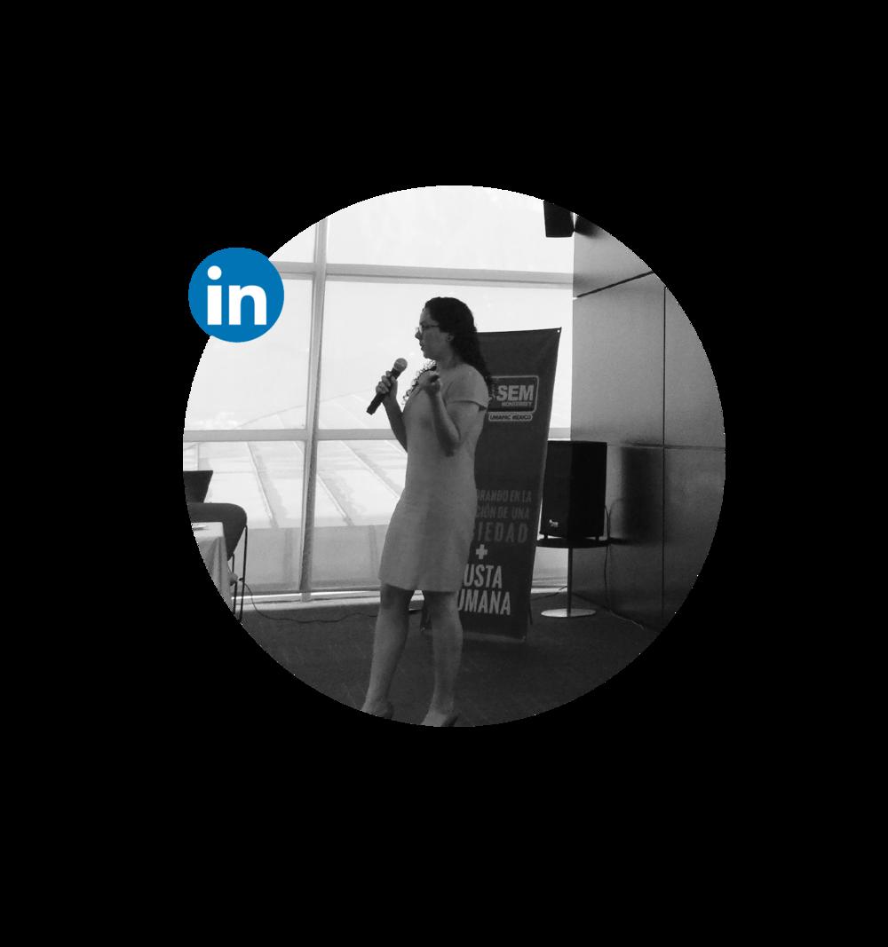 Paloma es Abogada y cuenta con Maestría en Derecho de la Empresa y Derecho Comercial Internacional. Tiene experiencia en distintas áreas del derecho privado, principalmente enfocada en la consultoría para emprendedores, empresas privadas y organizaciones de la sociedad civil. Ha desarrollado además proyectos de consultoría y formación sobre responsabilidad social corporativa, ética de los negocios, innovación social, emprendimiento social y liderazgo.