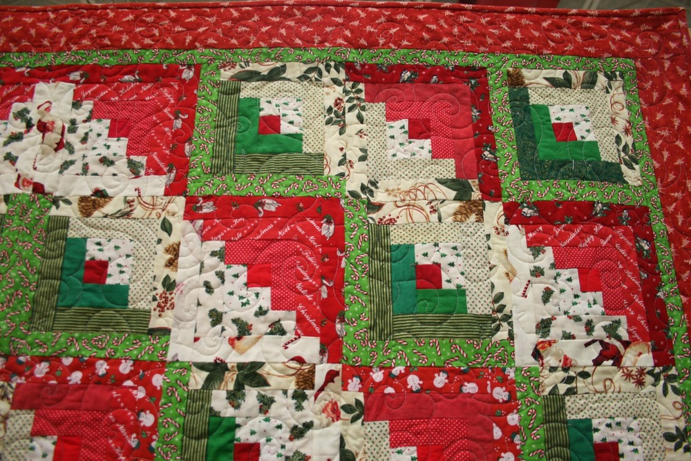 Christmas Log Cabin Quilt — Made Just For U : different quilting patterns - Adamdwight.com