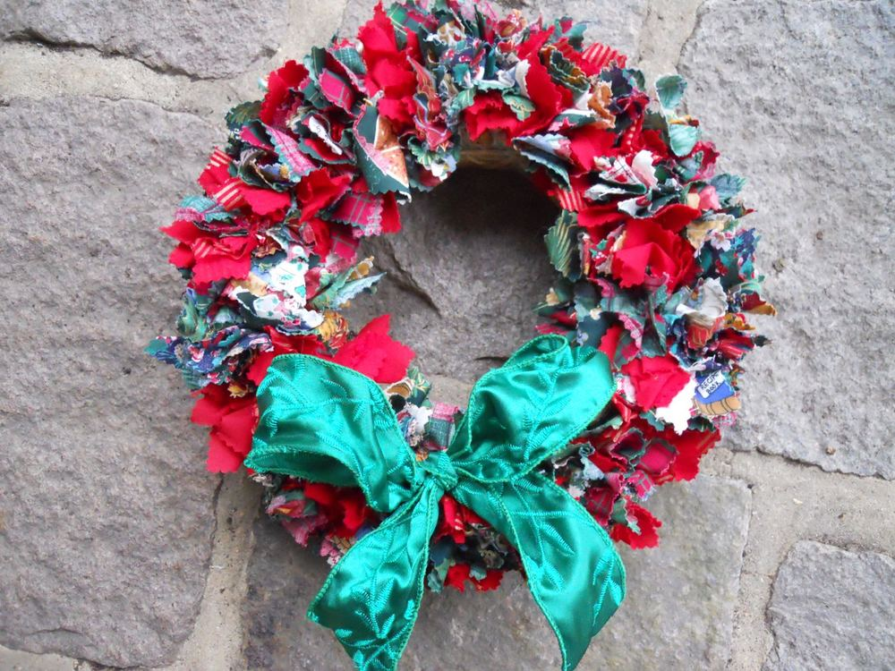 Fabric Holiday Wreath.jpg