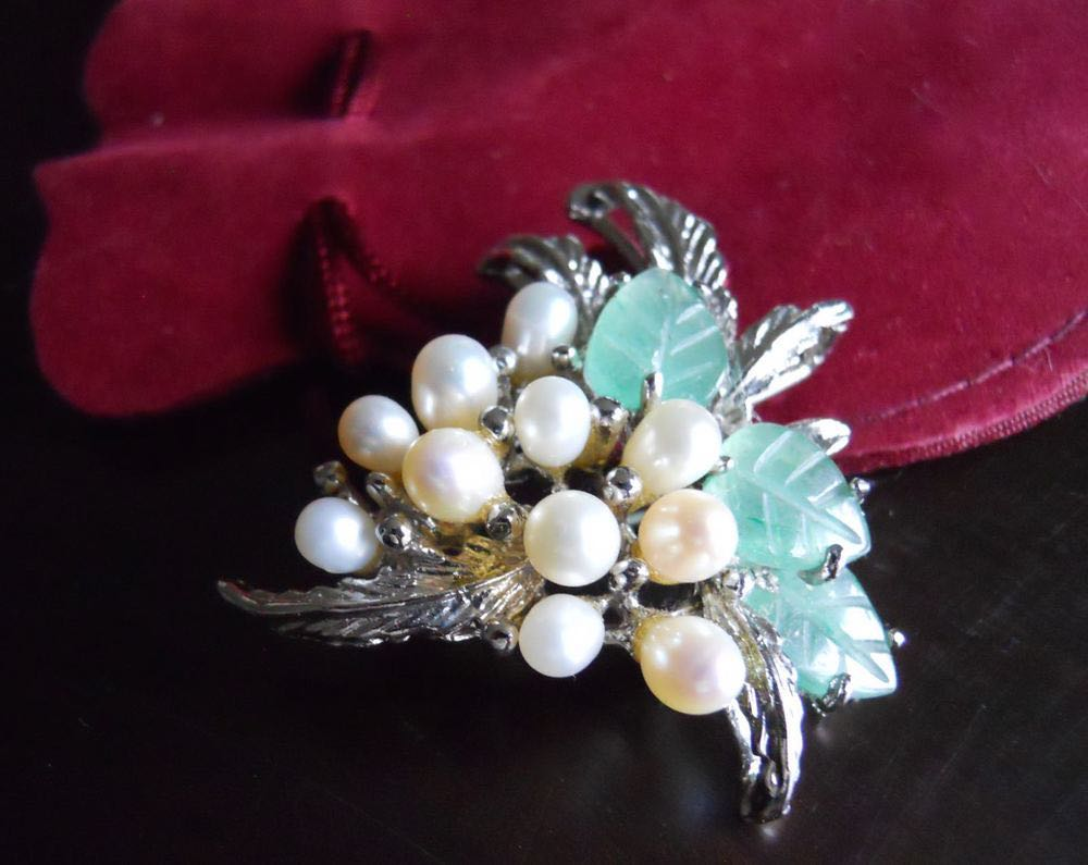 Pearl grape cluster vintage pin makes a nice start for a pearl collection.