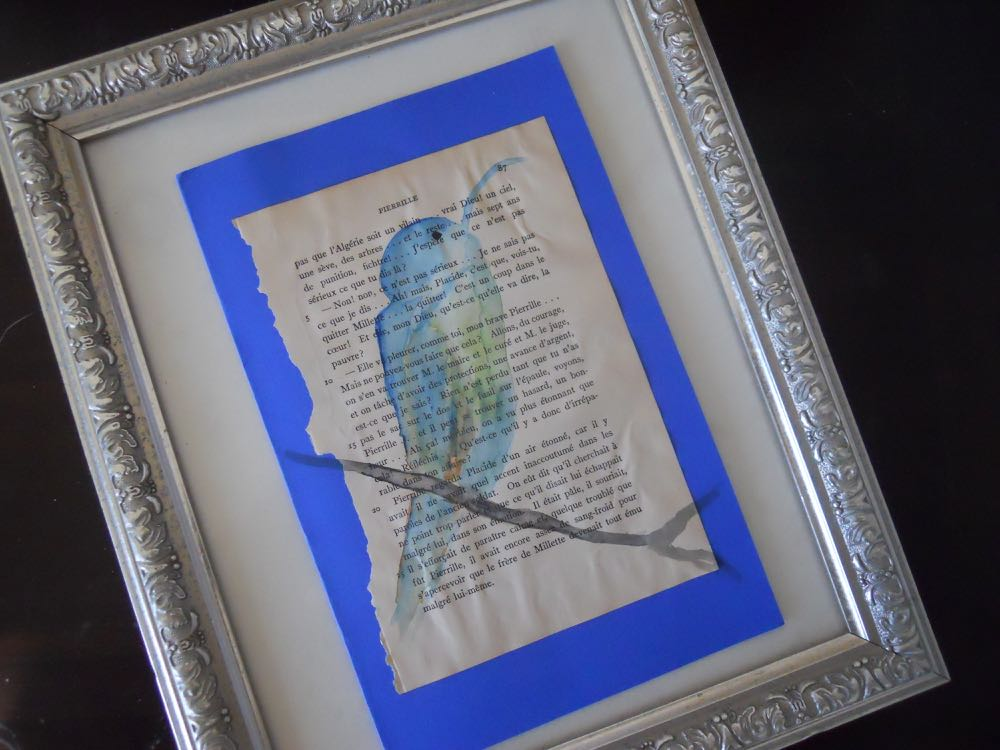 The print in the frame served as the backing for the bird card.