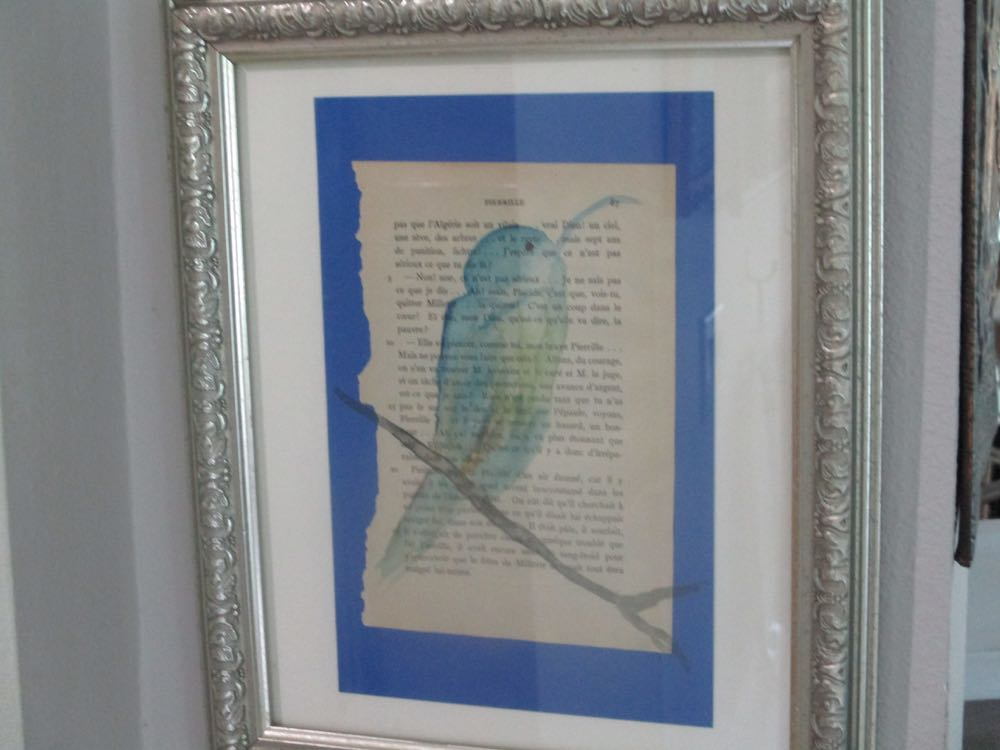 Love the elegance of this thank you card, a handpainted bird on an old book page in french.