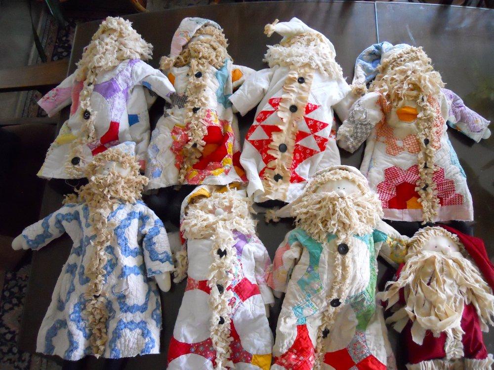 Santa dolls.jpg