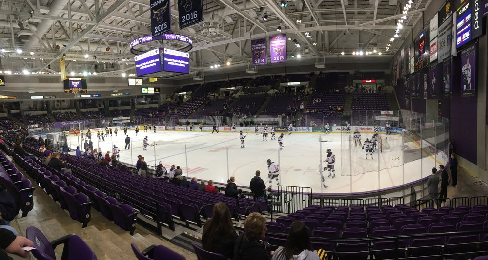 The teams warm up before Saturday's game at the Verizon Center in Mankato, MN. (Photo credit: Alex Slepak)