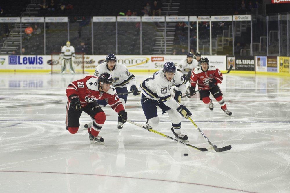 Jack Becker on the rush against Waterloo Blackhawks (Credit Sioux Falls Stampede Hockey Club)