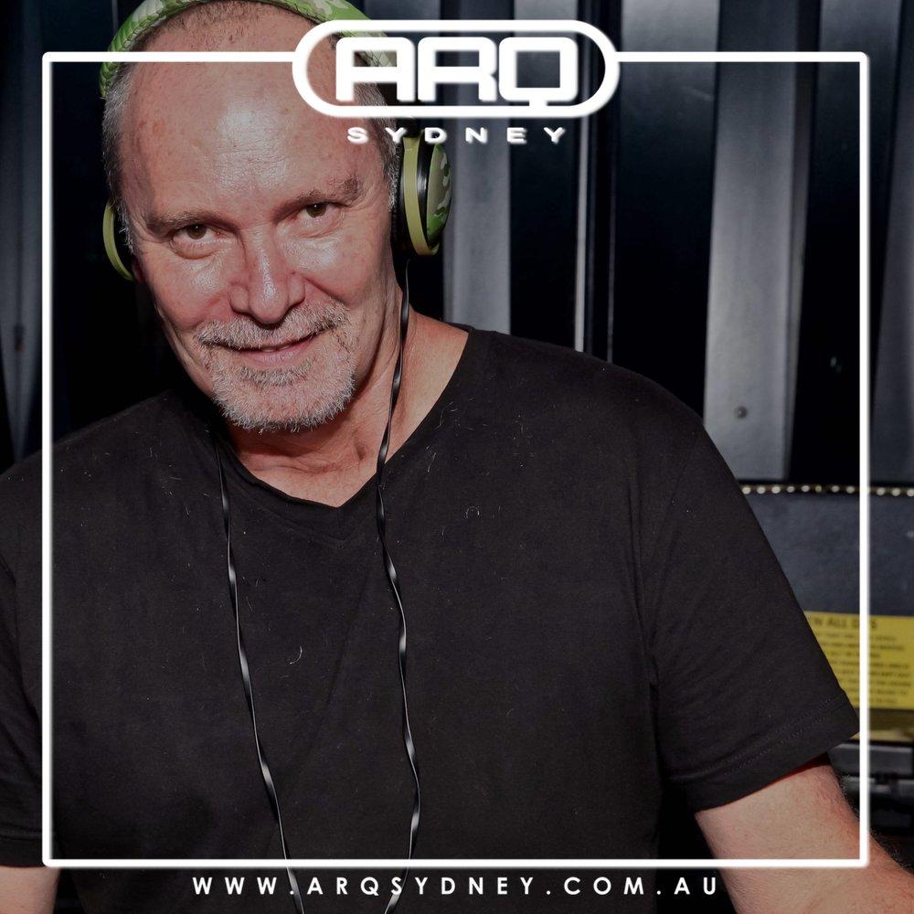 ROB DAVIS - RESIDENT DJ