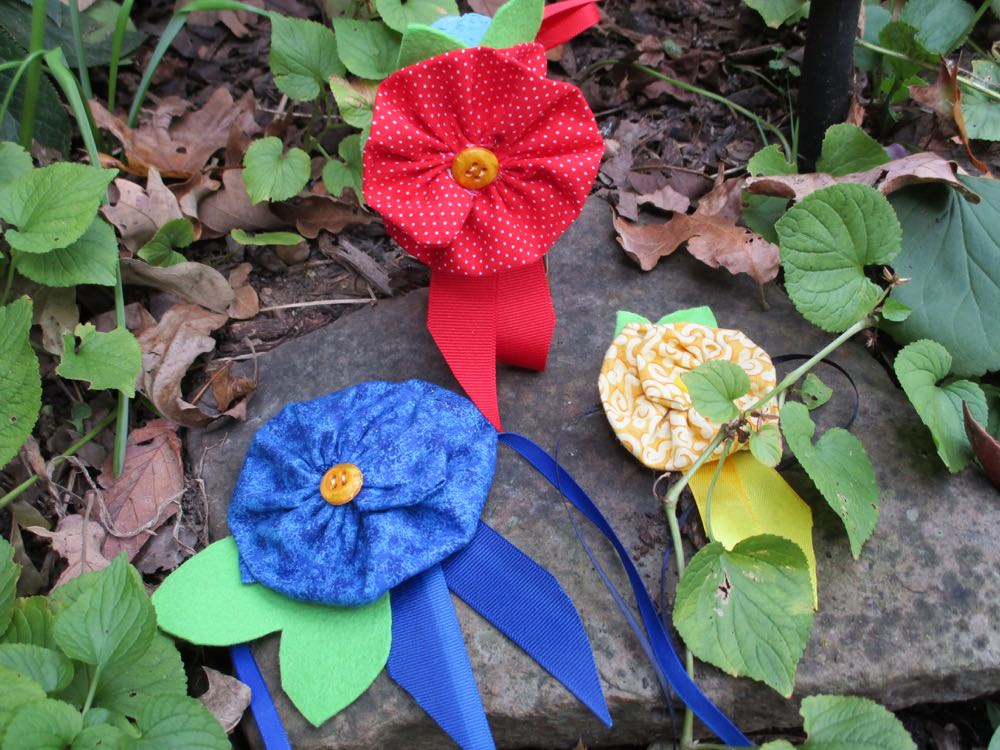 These honey contest ribbons were inspired by some I have seen at quilt shows.
