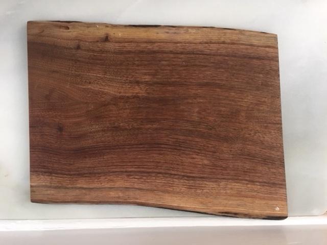 miller dohrmann farm large black walnut board   16.5 x 11.5 inch Miller Dohrmann Walnut Platter  $12