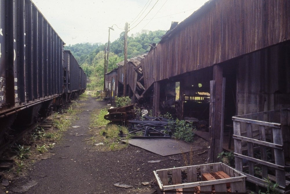 June 1983 Montour Junction Shops (3).jpg