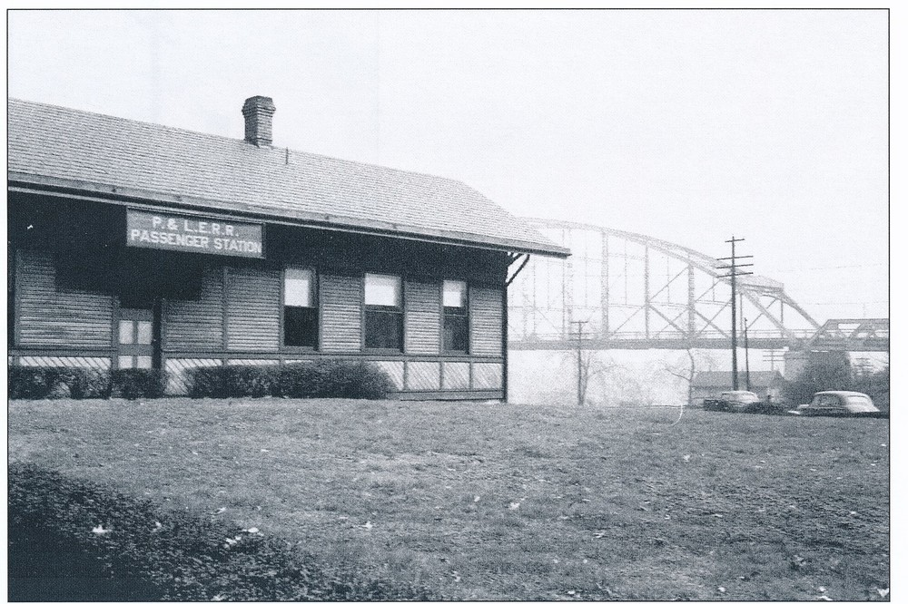 PLERR Montour Passenger Station facing 4th Avenue.jpg