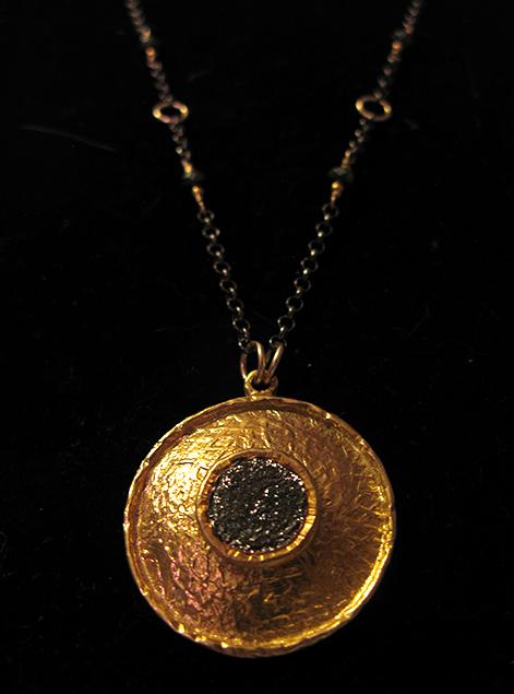 gold_pendant.jpg