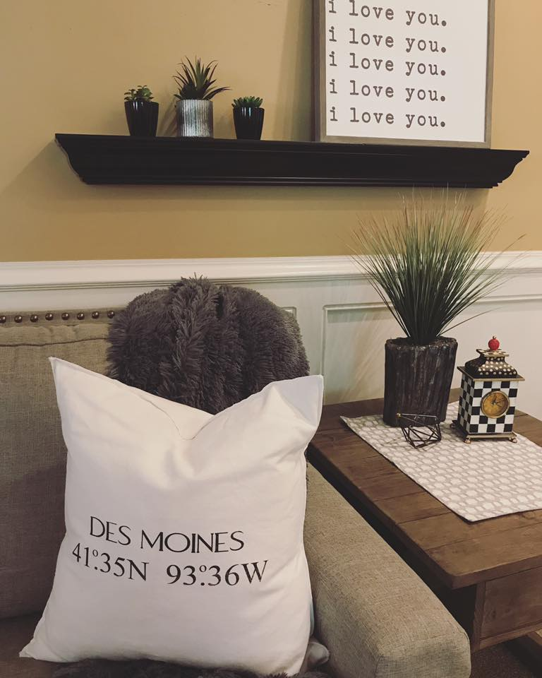 Living room end table styling and a Des Moines, IA throw pillow | hprallandco.com
