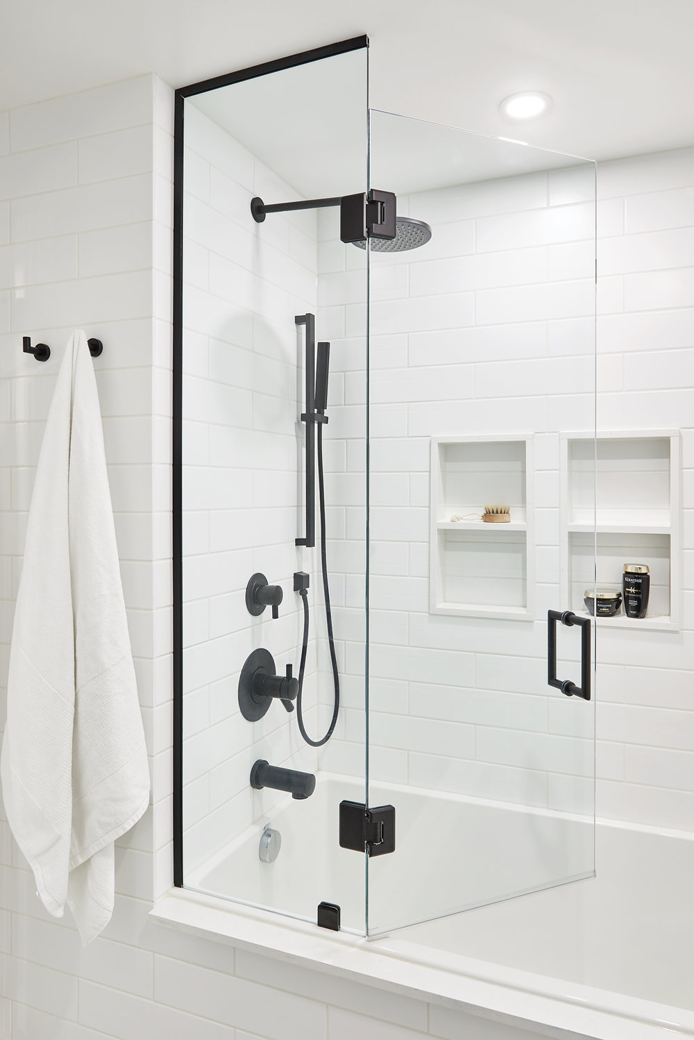 We're talking matte black hardware + finishes at hprallandco.com