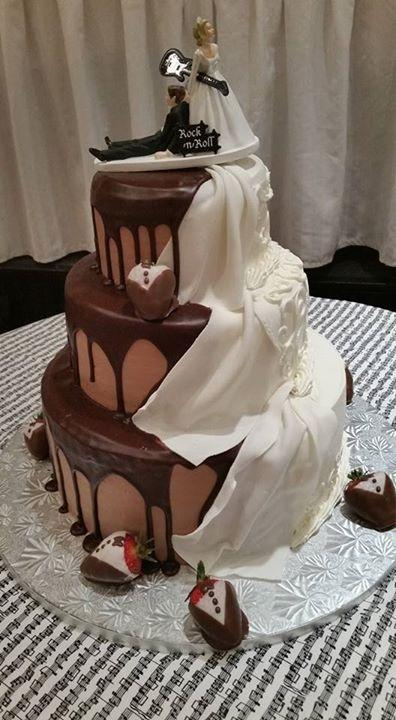 Wedding&Grooms Cake.jpg