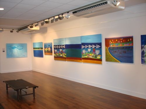 Sea fish tryptic photo on Wallace Gallery Morrinsville wall of all three paintings together total dimension 267 X 92 cm Yaniv Janson copy.jpg