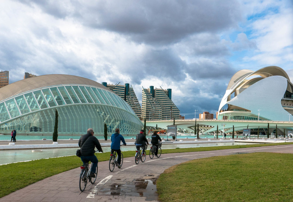 Bicycle tour in the City of Science with Valencia Bike Tours.