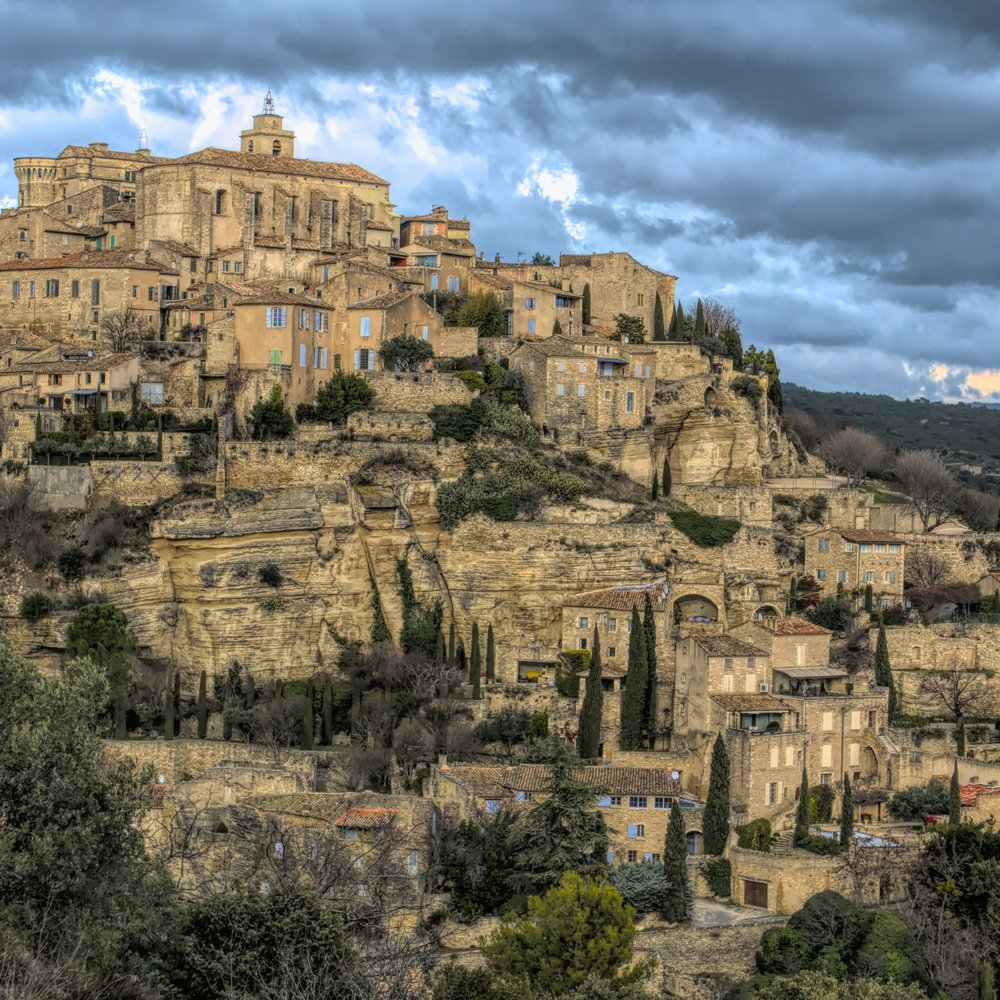 I found a French visual walkabout… Gordes, France.
