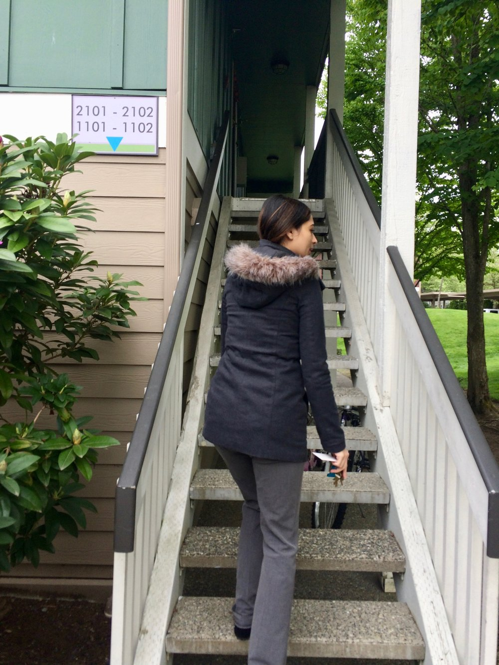 Naaz shows the Whelans a nice apartment in Redmond Washington.