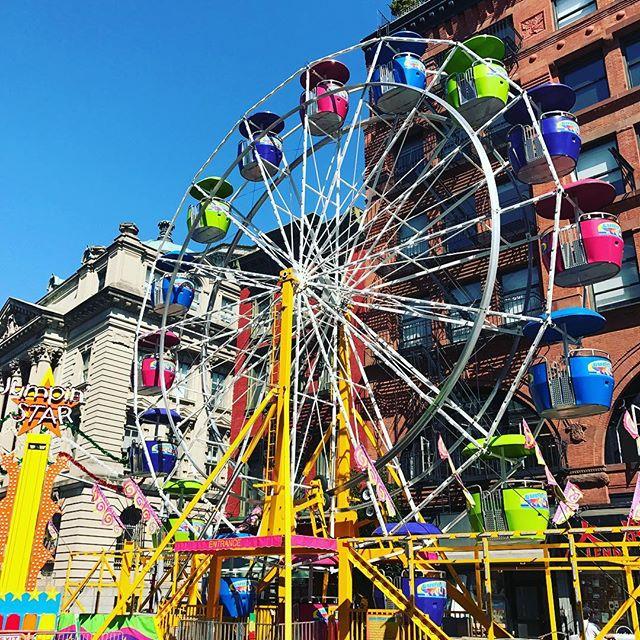 Color 🔆 Wheel #ferriswheel #pinwheel #streetsofny #notsurewhy