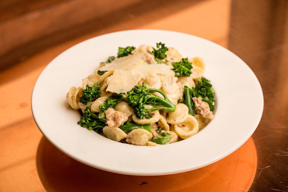 Orecchiette con Salsicce e Broccoletti.jpg