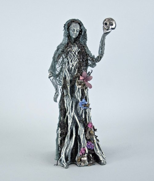Ghost Tree Lady Figure - 18 inch 28-728571