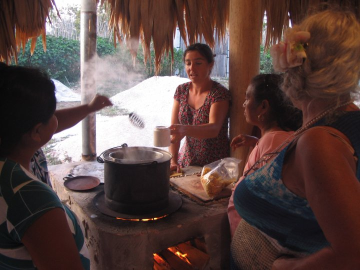 Herbal workshop by Dr. Jacqui McGrath at the Health Clinic Bacalar, Mexico 2010.jpg