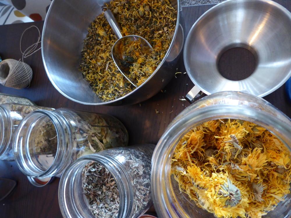 Blending Tea 2.JPG