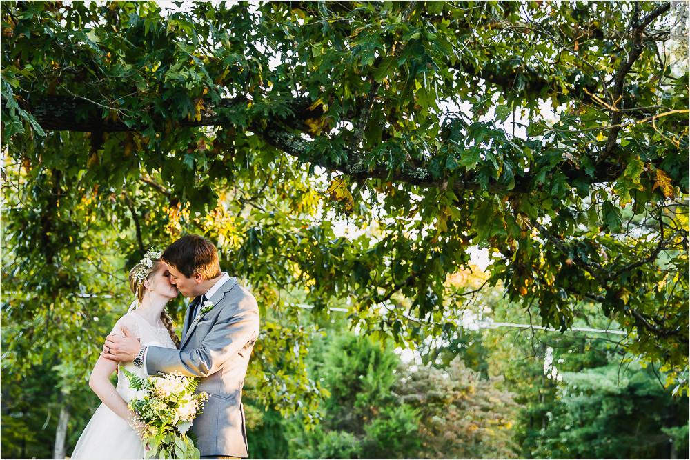 oaks-at-salem-apex-nc-wedding-photographer-18.jpg