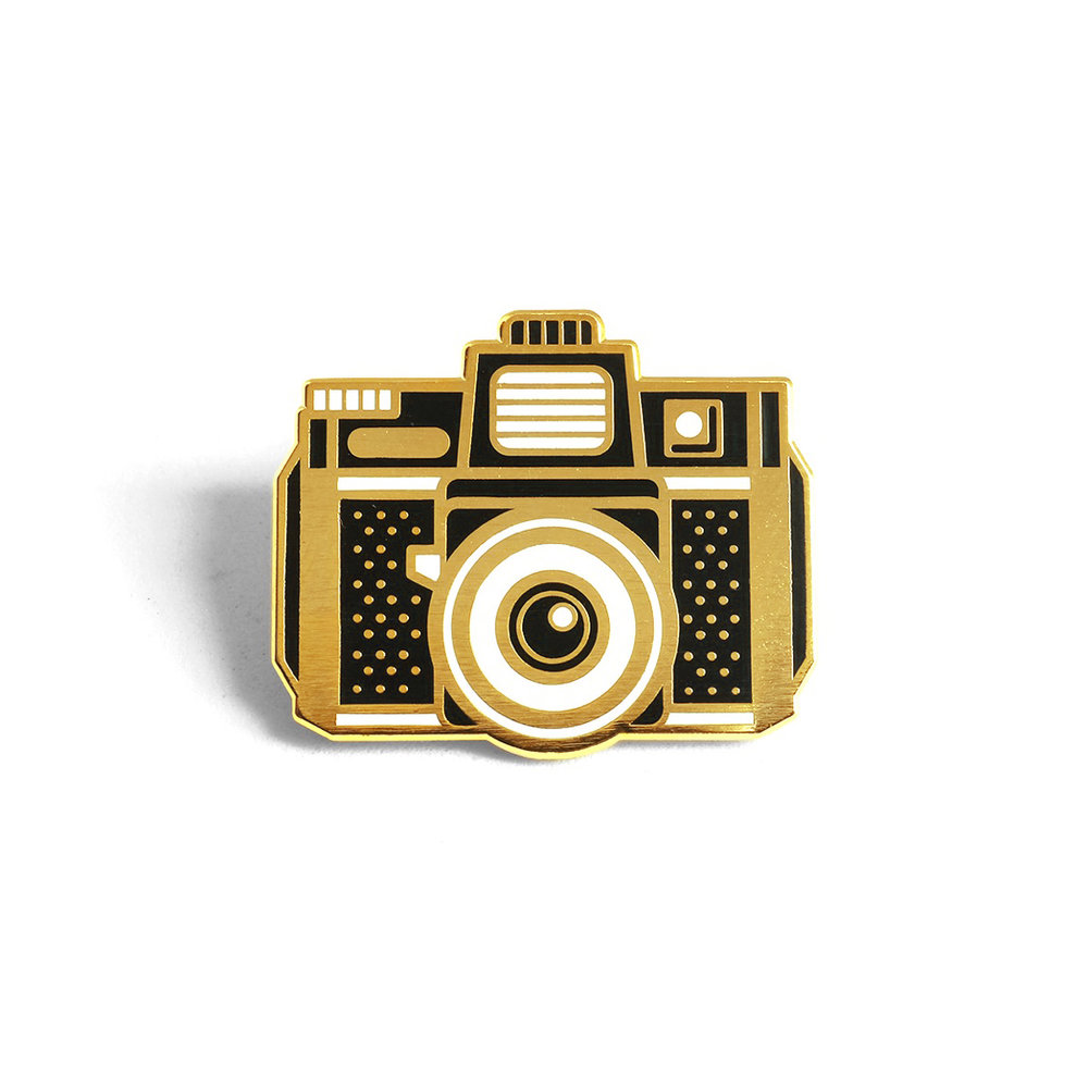 """LLS066 : Holga Camera Hard Enamel Pin 1.12"""" x 1"""""""