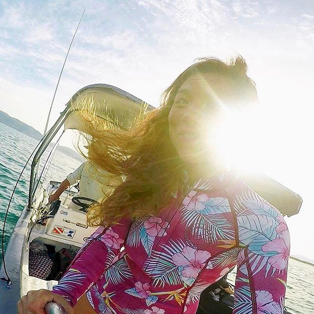 Let your weekend vibes shine bright ❤️✌🏼 ••••••••••••••••••••••••••••••••••••••••••••••••••••⠀ #lapaz #lapazmexico #baja #bajacalifornia #todossantos #todossantossurfshop #billabong #billabongwomens #whaleshark #gopro #travelawesome #sunsurftacosrepeat #coupleswhotravel #goprohero6 #snorkeling #diving #beautifuldestinations #twoofafeather