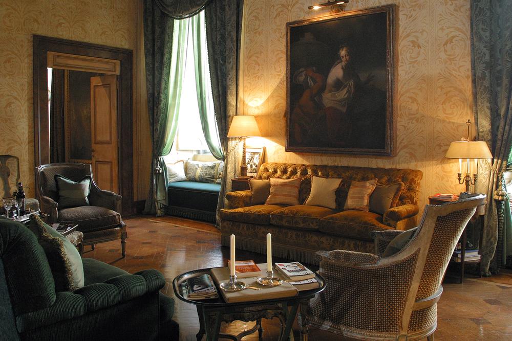 Napoleone Suite - Yellow Seating Room