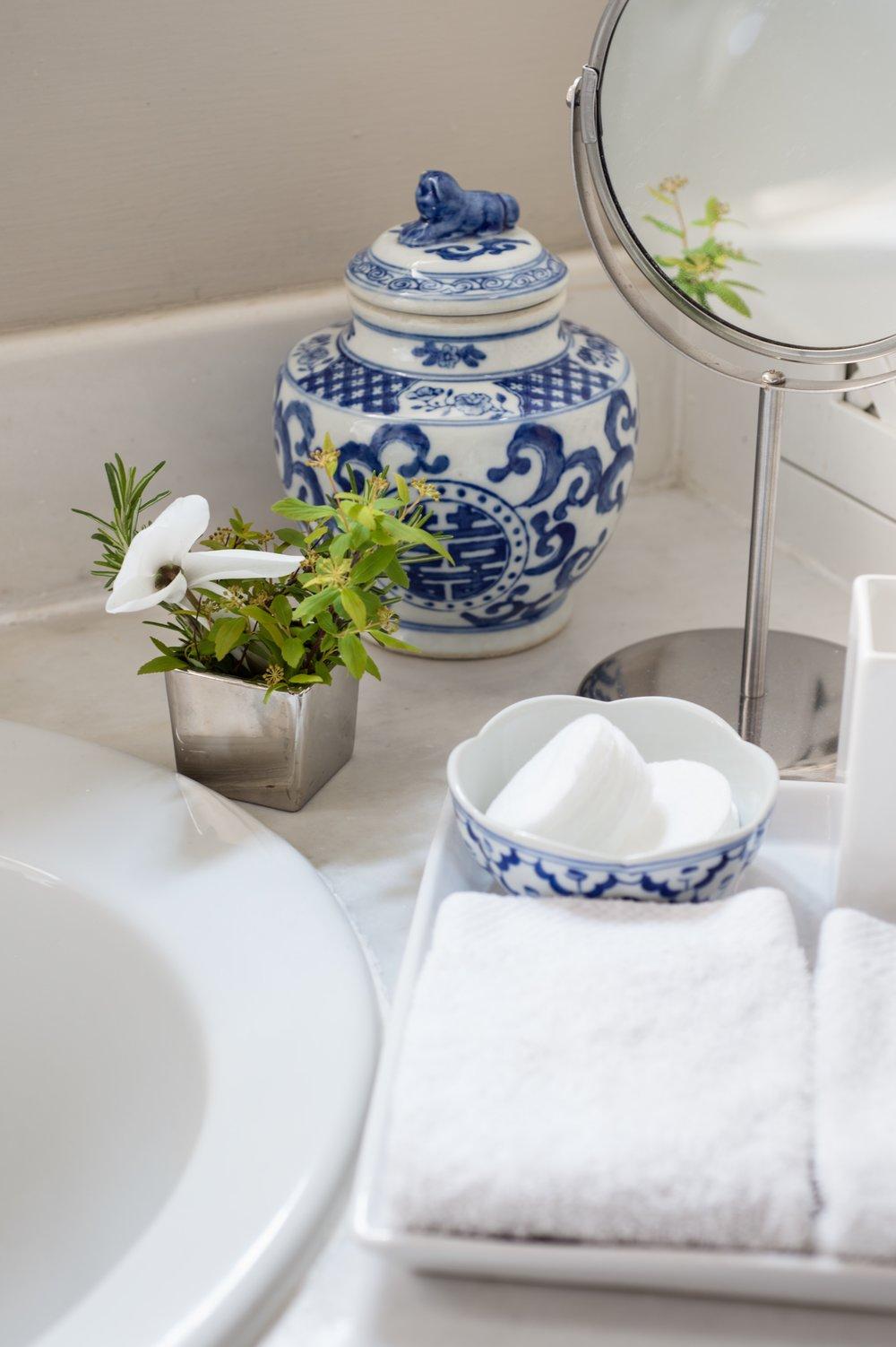Blue room bathroom detail