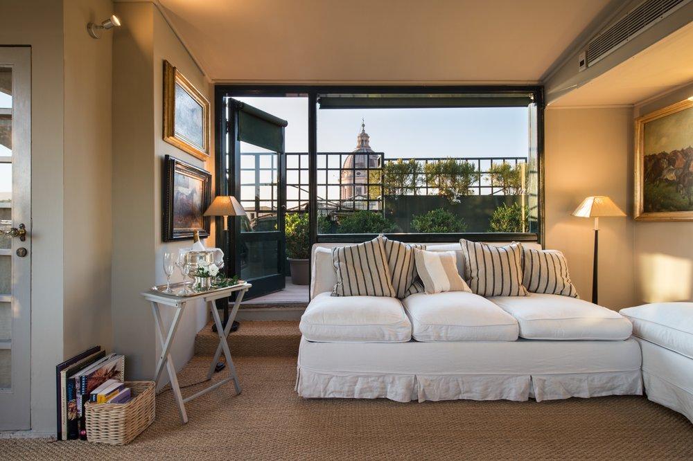 Garden Suite lounge
