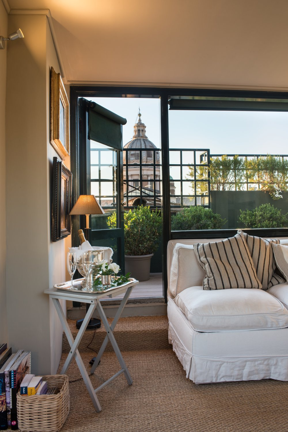 Garden Suite lounge view