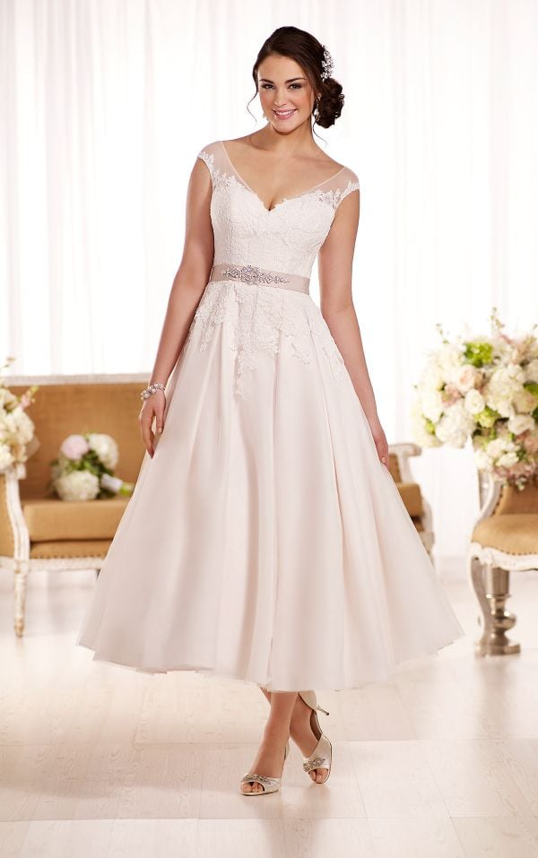 PanacheBridalBoutique.com - Essense - #D1957