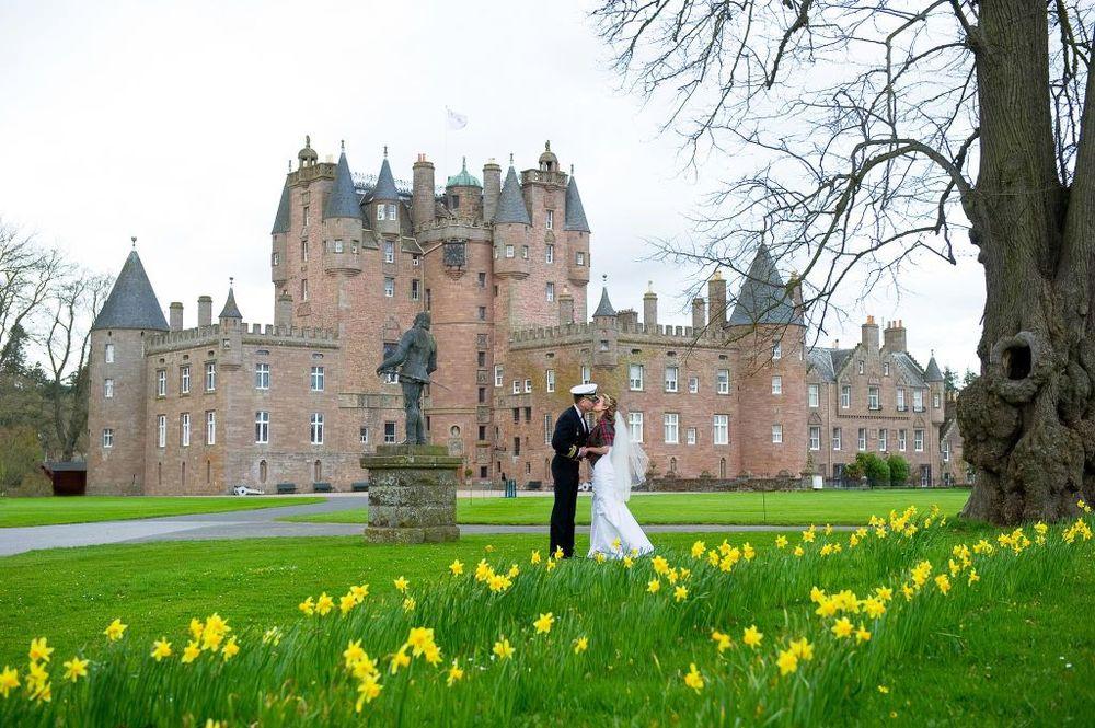 glamis-castle-wedding-exhibition.jpg