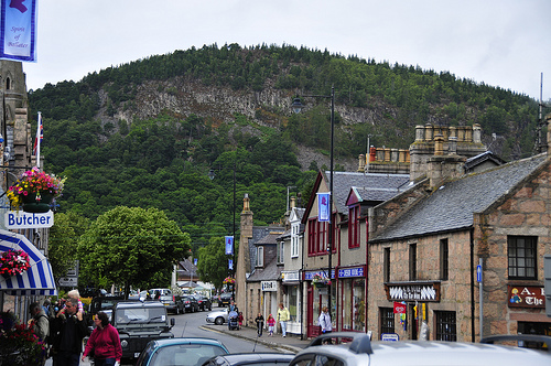 Ballater high st.jpg
