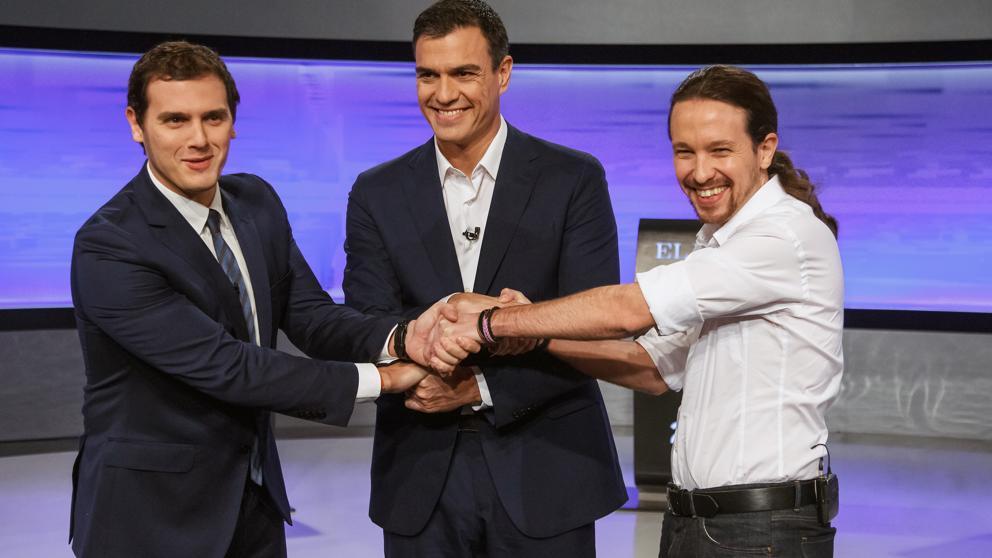De izquierda a derecha Albert Rivera (Ciudadanos) Pedro Sánchez (PSOE) y Pablo Iglesias (Podemos) en el debate previo al 20-D organizado por el diario El País