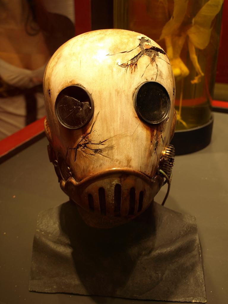 Máscara de la película Hellboy, dirigida por el director mexicano / R. SANDOVAL