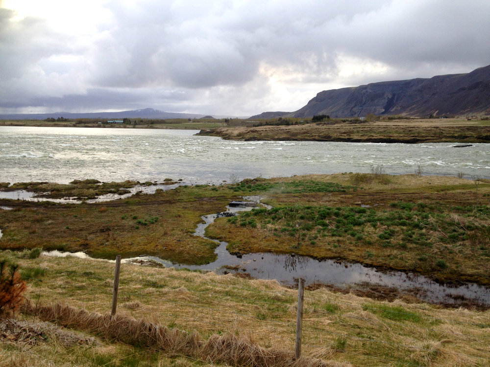 The river that cuts through the town of Selfoss.