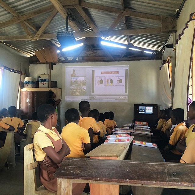 Happy #international #girlsday 💫 And congratulations to #mgcubed of @varkeygems for nearly two years of their successful Making Ghanaian Girls Great project, powered by #aleutia computers. #solarclassroom #edtech #africatech #fanlesspc #internationalgirlsday