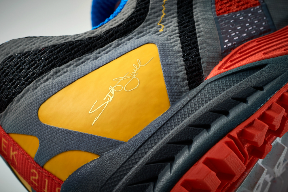 Cascadia2189_Detail_Signature_Heel.jpg