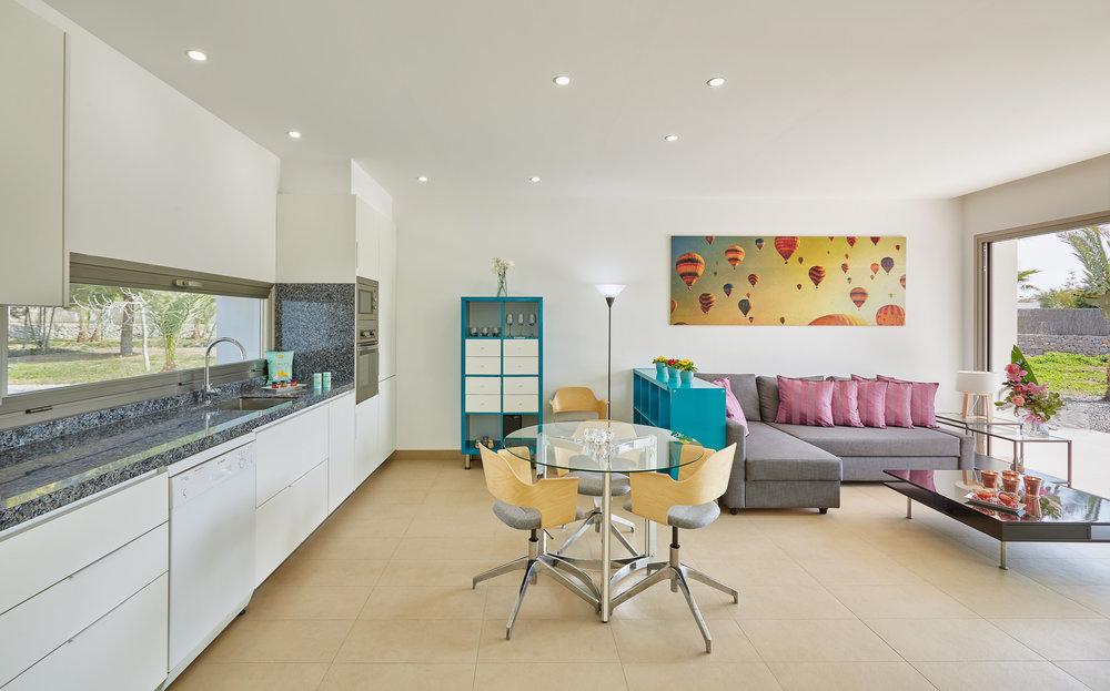 Guest_Living_room_2.jpg