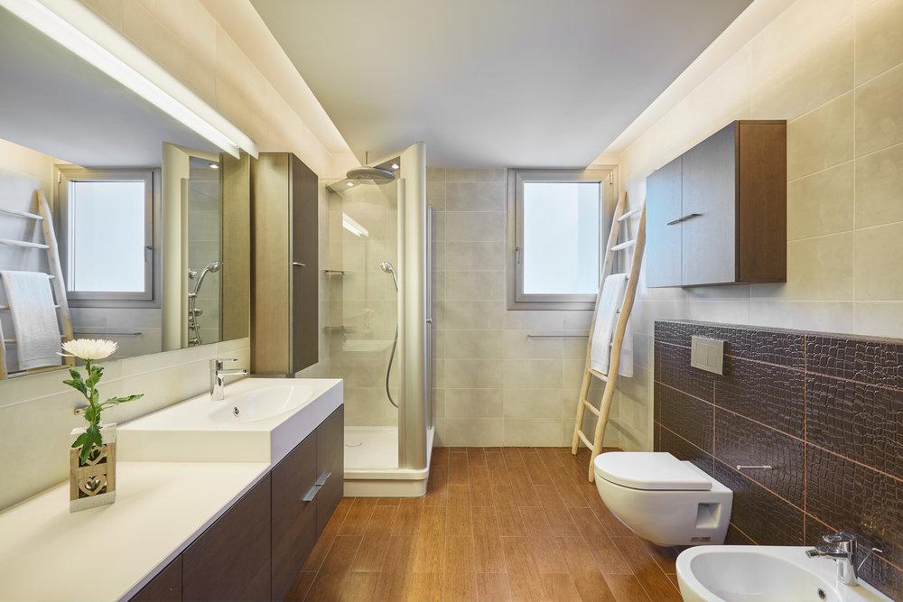 Bathroom_5.jpg
